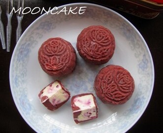 Red Velvet Cream Cheese Snowskin Mooncake 红色天鹅绒奶油乳酪冰皮月饼