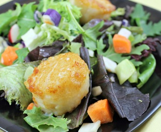 Kara-Age Scallop Salad with Honey-Lime Dressing