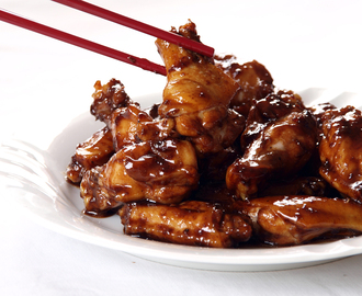 Sticky Garlic Chicken Wings