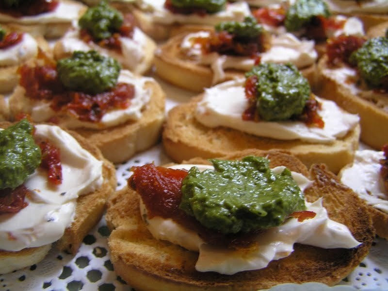 Sundried Tomato Basil Pesto Canapes - Easy