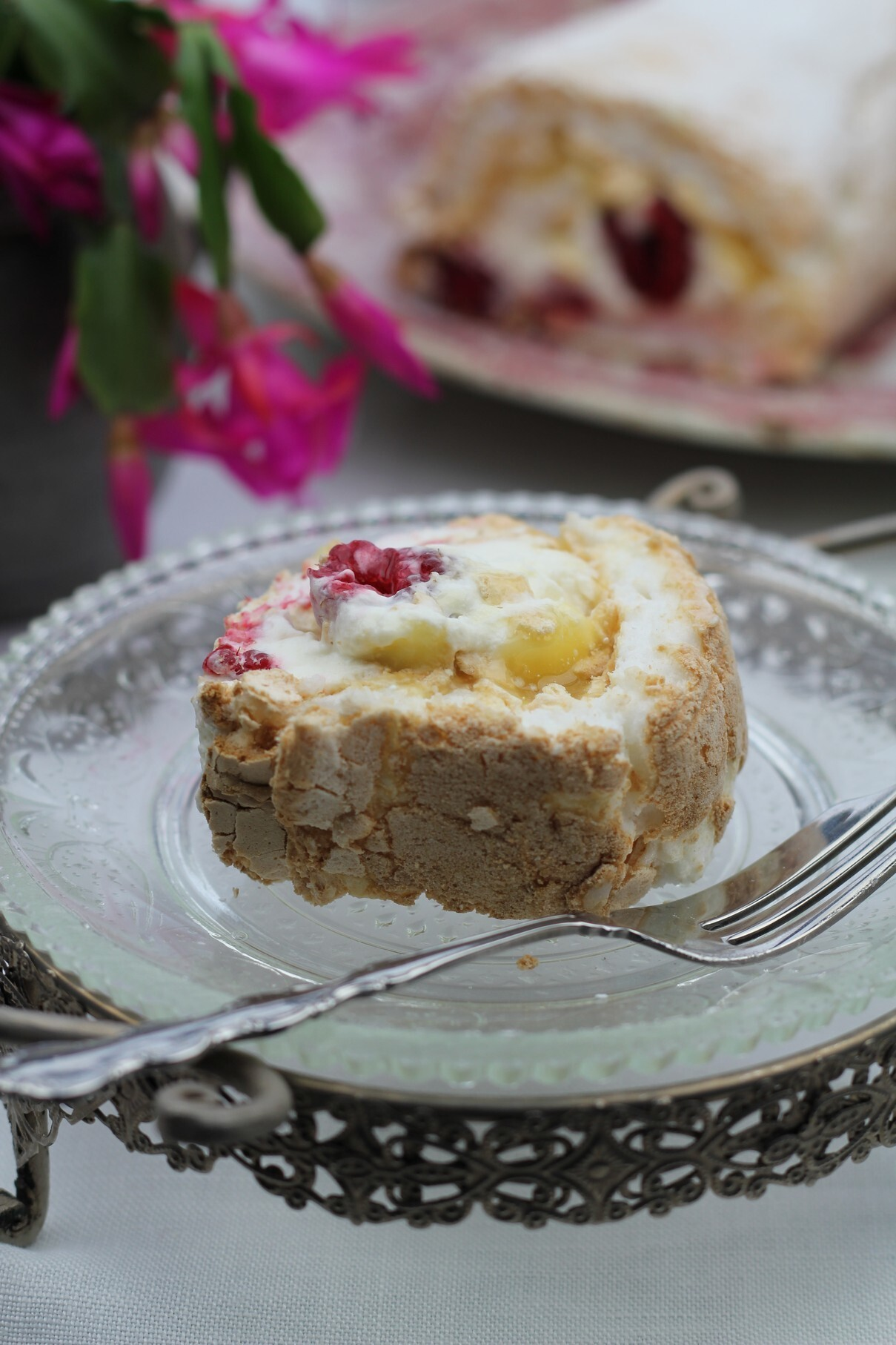 Lemon Curd & Raspberry Meringue Roulade