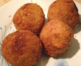 Bitterballen - Dutch Deep Fried Gravy
