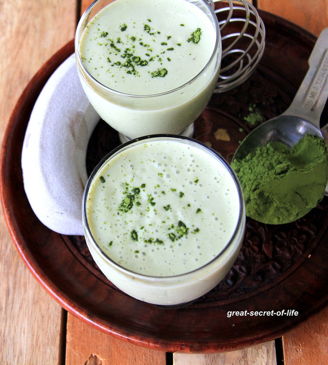Matcha, Frozen banana, Greek yogurt breakfast smoothie - Breakfast recipe - drink recipe