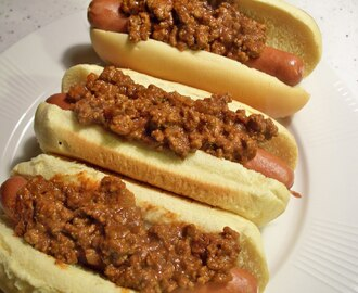 MICHIGANS, A NEW YORK STATE-STYLE HOT DOG