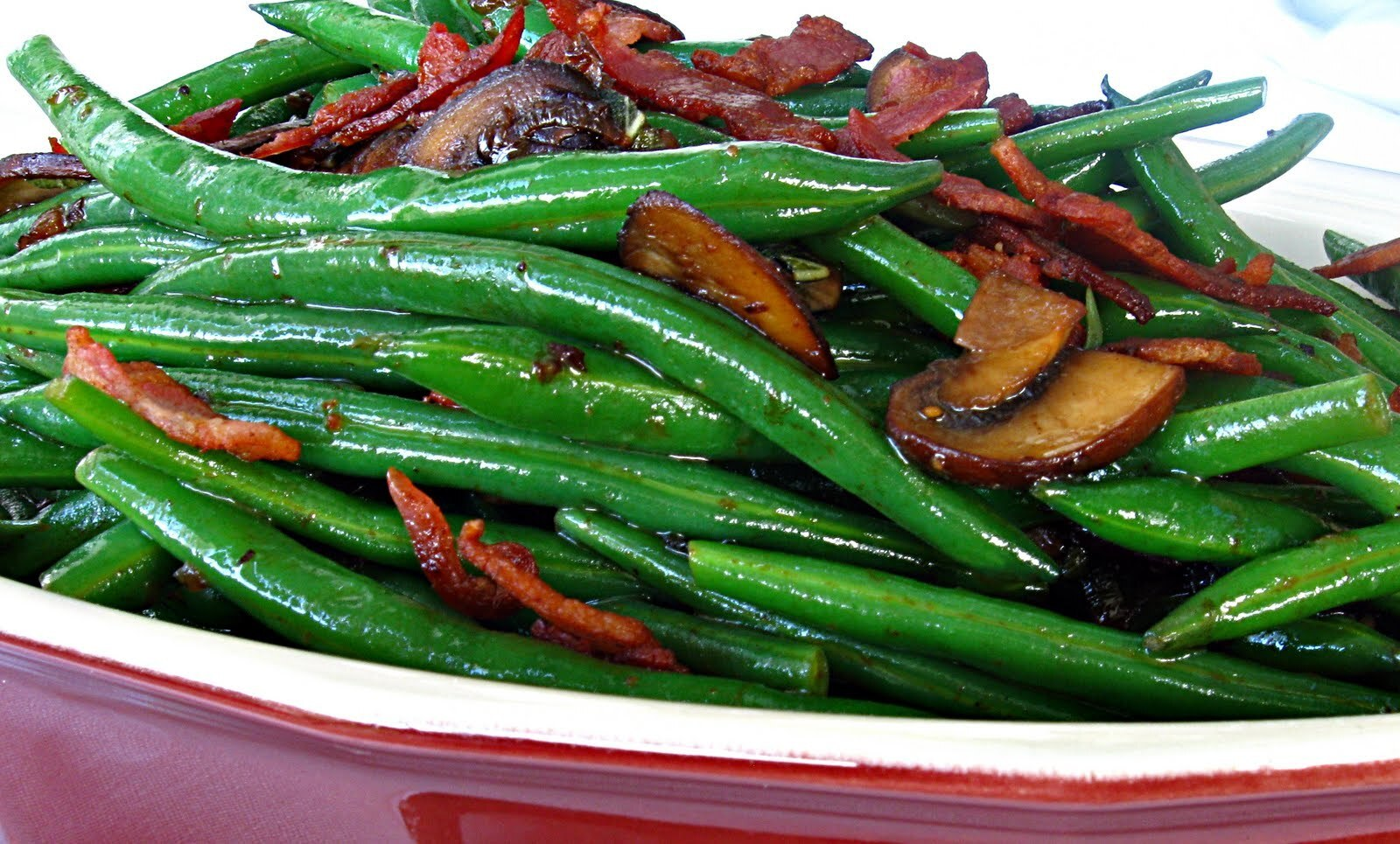 Green Beans with Crispy Pancetta, Mushrooms, and Shallots