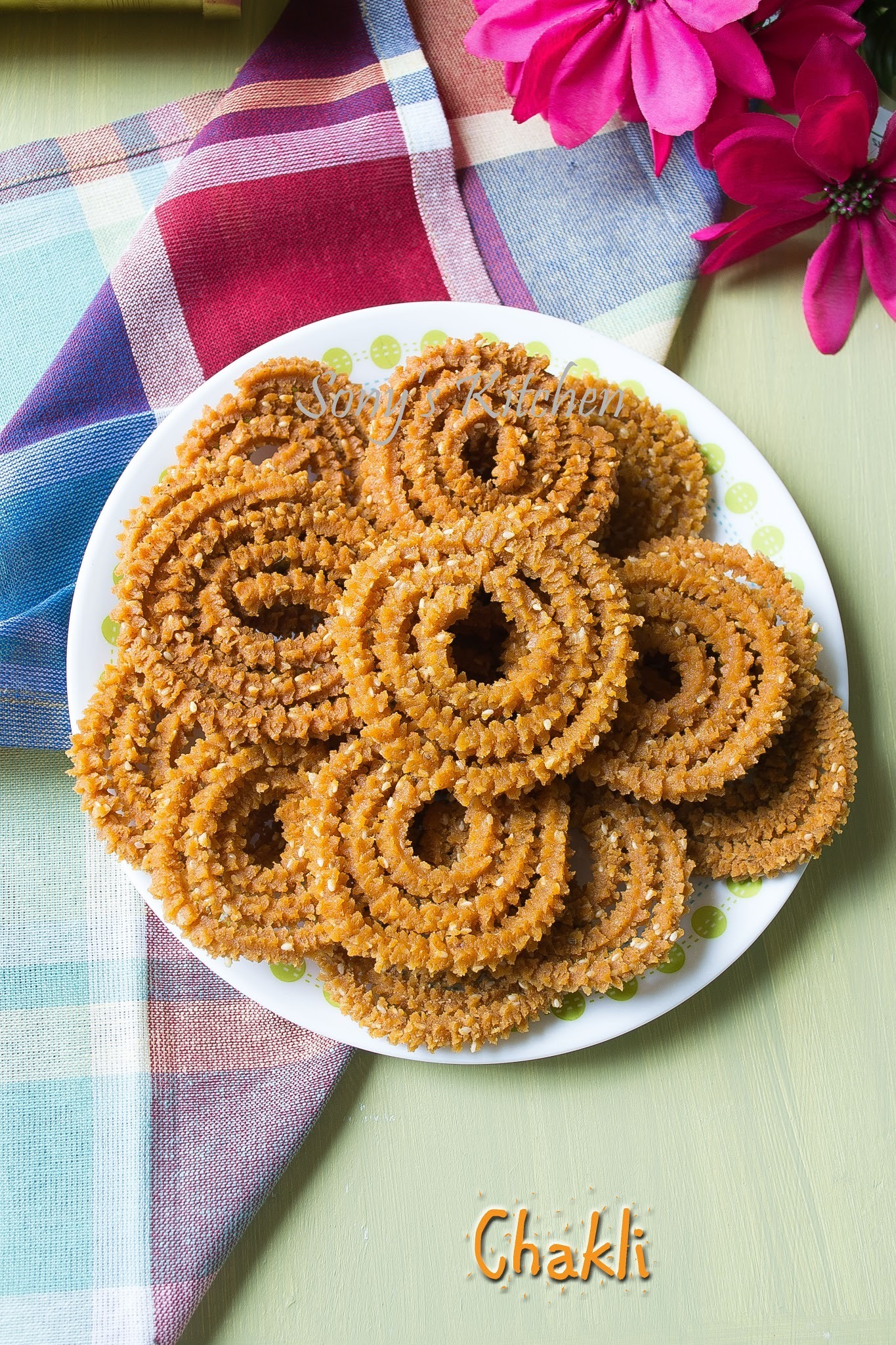 Chakli / Traditional Chakli Recipe - Easy Diwali Recipe