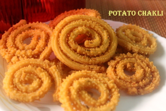 Potato chakli or murukku recipe – Diwali snacks recipe