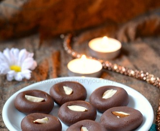 Chocolate Peda Recipe | Chocolate doodh peda | Easy Chocolate fudge recipe (with Video)