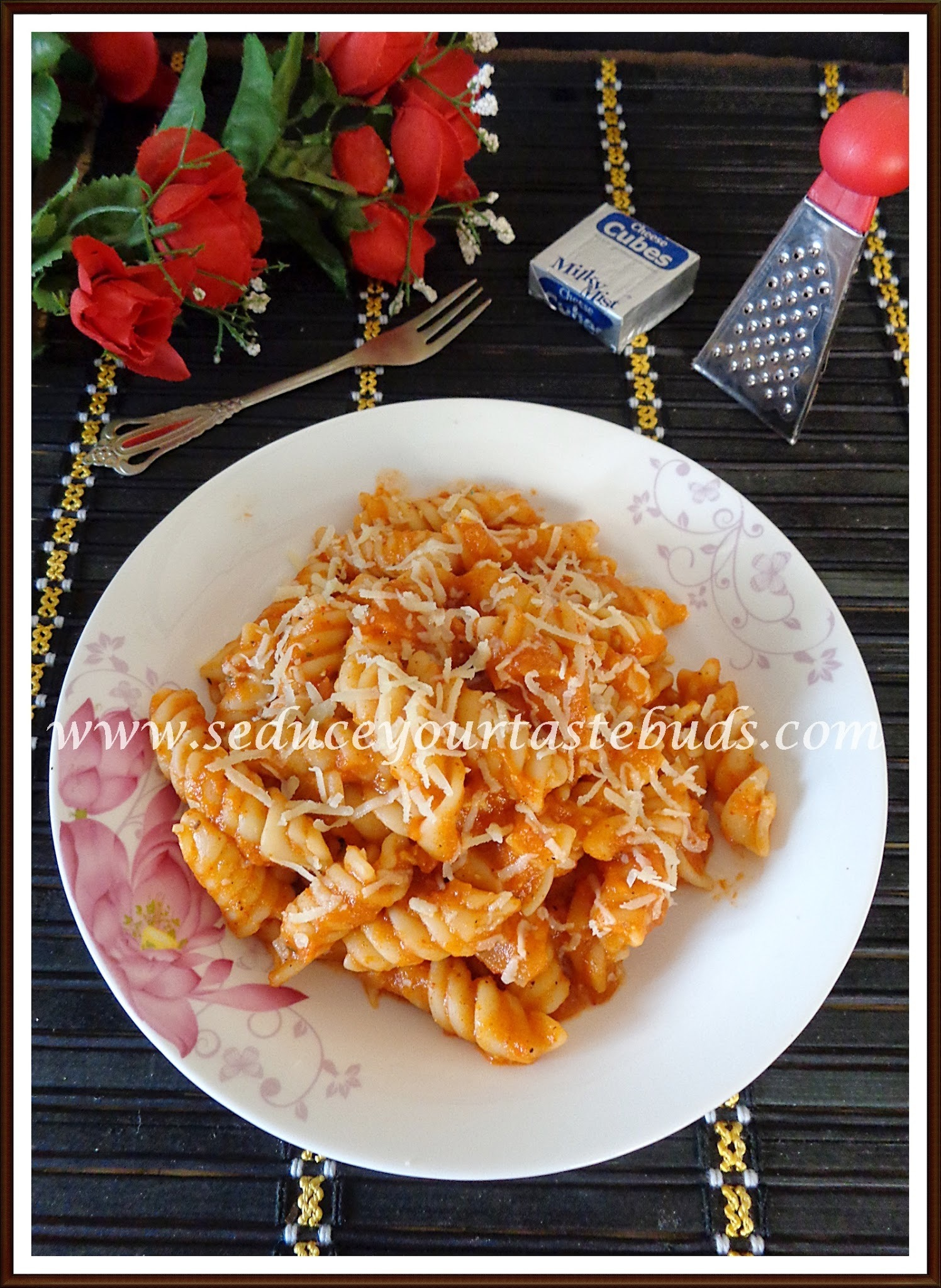 Pasta in Red Bell Pepper Sauce