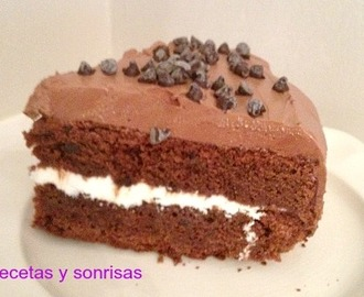 PASTEL DE CHOCOLATE CON BUTTERCREAM DE CHOCOLATE