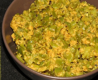 Besan Wali Shimla Mirch ki Bhaji (Capsicum Curry with Gram Flour)
