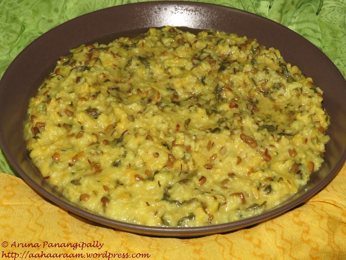 Moong Dal Palak Khichdi (Cooked in Buttermilk)