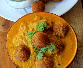 Raw Banana Kofta Recipe - Kachchaa Kela Kofta Curry Recipe - Side dish for Rice, Roti - Vegetarian curry recipe
