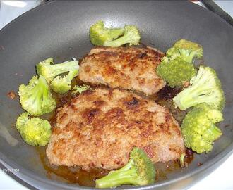 Hammered Pork With Broccoli