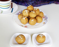 Besan ladoo recipe – Sweet chickpea flour balls with cashews and almonds