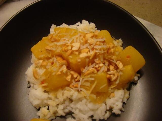 Peanut and Pineapple Curry