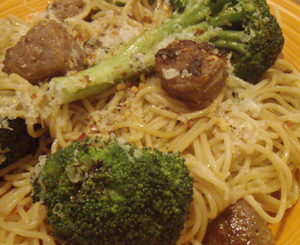 Sundays with Sparky: Steamed Broccoli with Sausage Aglio e Olio