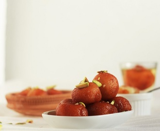 Instant Bread Gulab Jamun Recipe-How to make Gulab Jamun with Bread