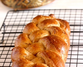 Daring Bakers' Challenge May 2012- Challah Back Y'all