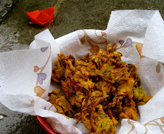 Pokada/ Pakora In 10 Minutes For The Rainy Day