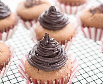 kinder bueno muffins rezepte mytaste. Black Bedroom Furniture Sets. Home Design Ideas