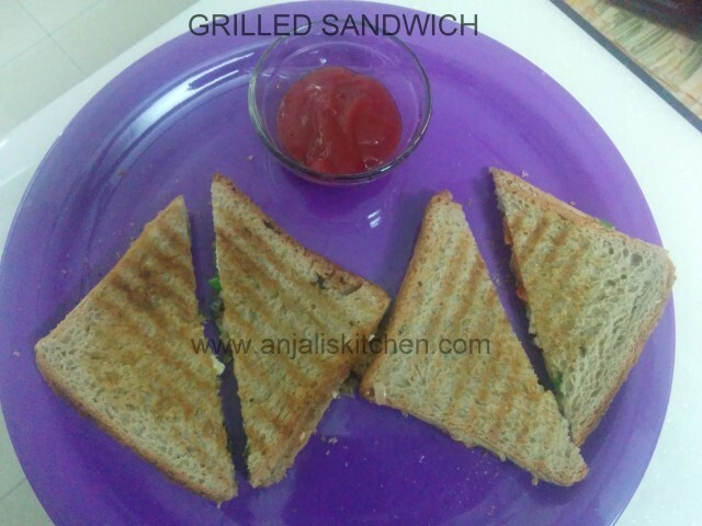 Grilled Capsicum Cheese Sandwich