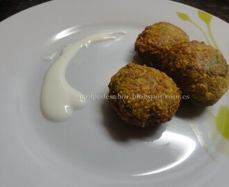 Falafel con salsa de yogur (normal y en Thermomix)