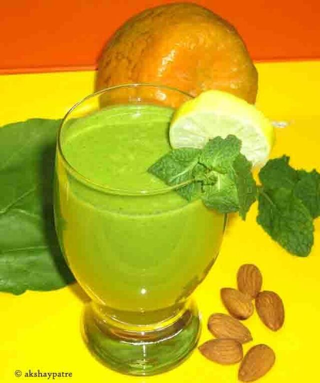 Orange spinach mint almond flax seeds smoothie - santra palak pudina badam jawas smoothie - smoothie recipes