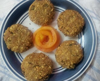 Veg.Snacks Made With Popped Rice (Khoi)