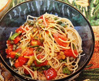 Pasta with Tomatoes and Almonds