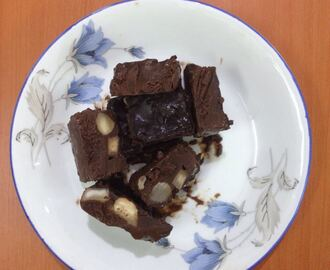 Chocolate almonds fudge