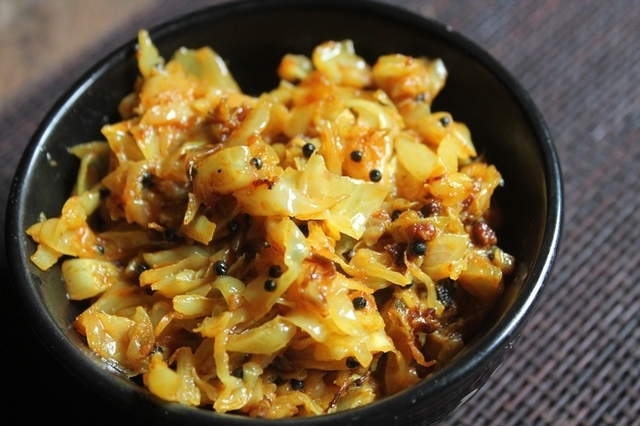 Cabbage Poriyal Recipe - Cabbage Stir Fry Recipe without Coconut