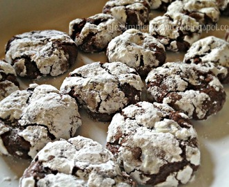 Dark Chocolate Lava Cookies