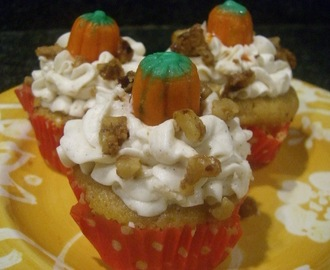 +++Cupcake Tuesday+++Pumpkin Spice Cupcakes with Vanilla Bean Spice Buttercream~