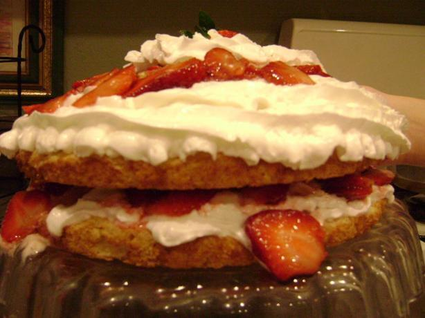 Old-Fashioned Short Cake With Strawberries