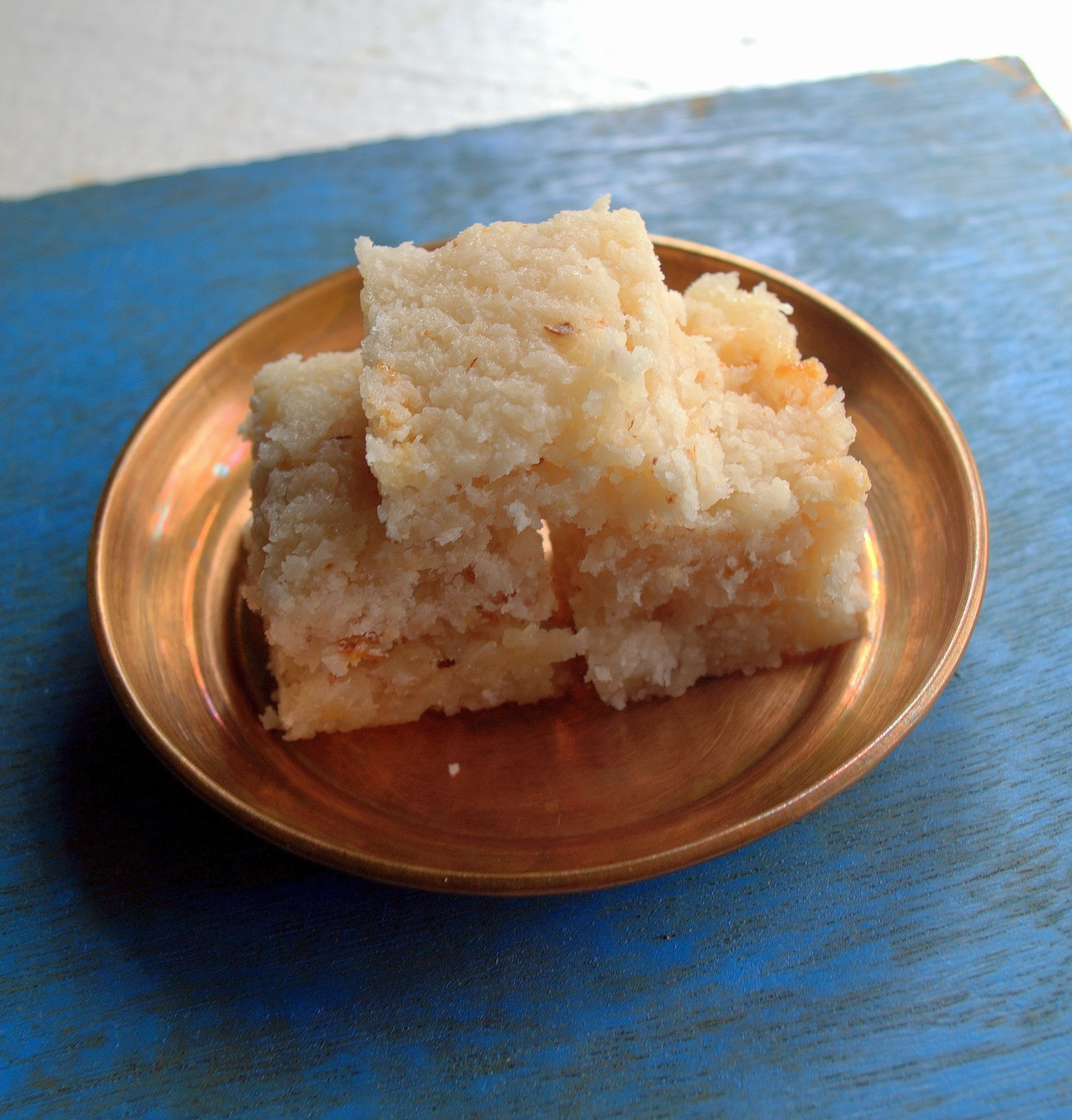 Coconut Burfi/Fudge  | Thenga Burfi | Indian Sweet
