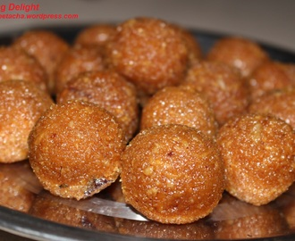 Coconut Laddu with Jaggery (Gurher Narkol Naru)
