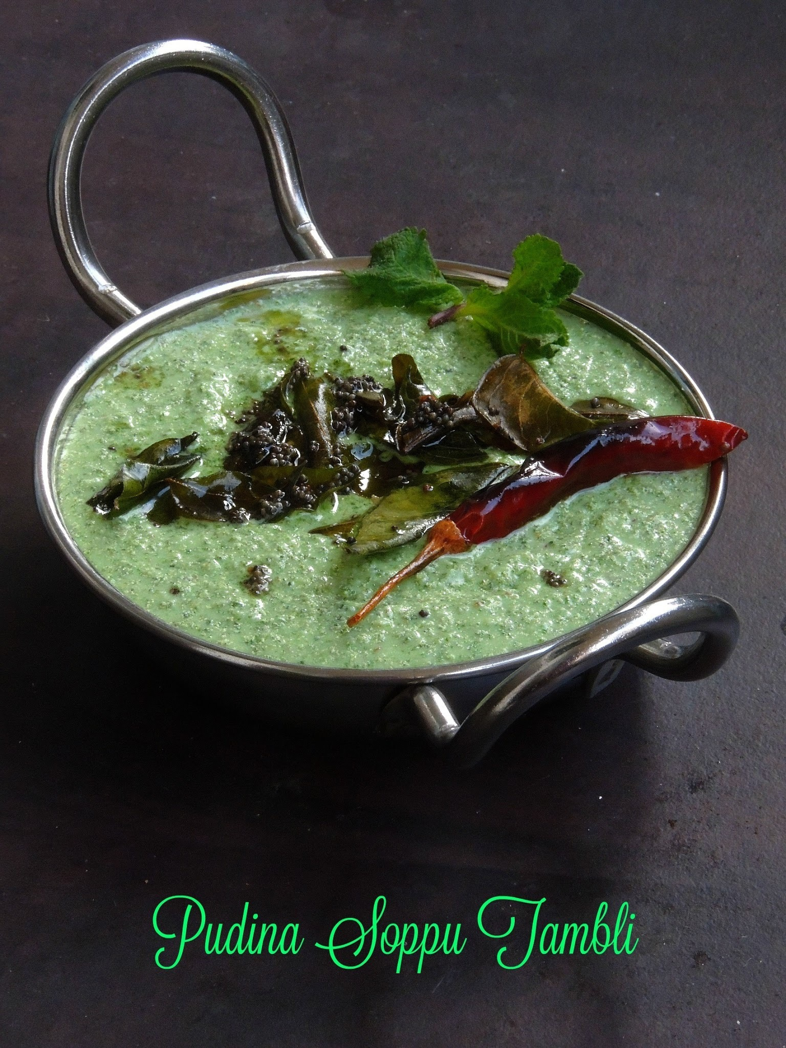 Pudhina Soppu Tambli/Mint Leaves Sour Curry