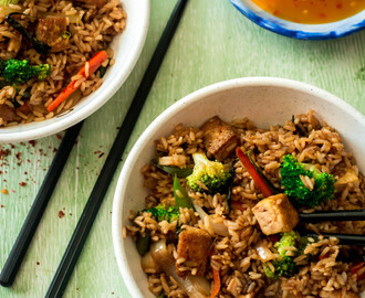 THAI FRIED RICE WITH BASIL & TOFU