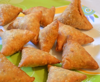 Samosa  /  Crispy Onion Samosa  /  Step By Step Recipe