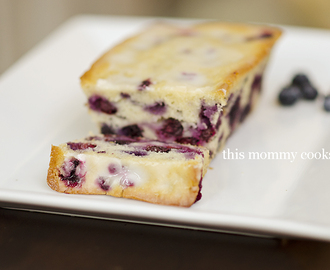 Blueberry Bread with Lemon Glaze {sweet treat tuesday}