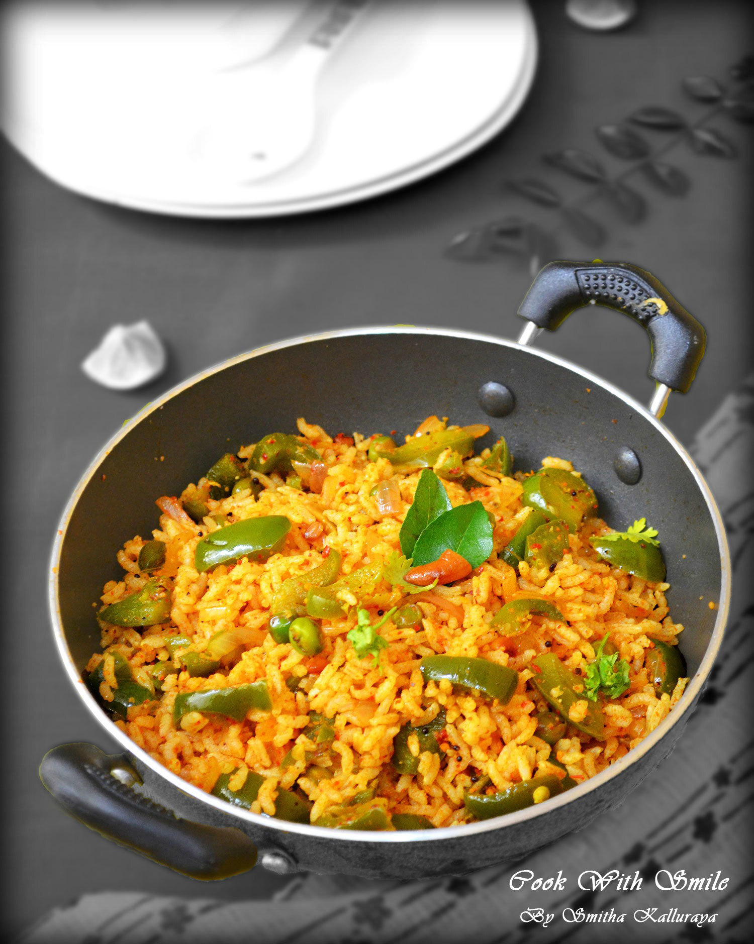CAPSICUM BATH RECIPE / CAPSICUM RICE RECIPE - EASY LUNCHBOX RECIPES !!