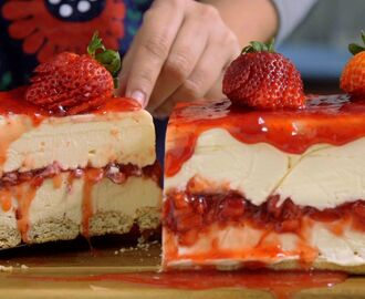 White Chocolate Strawberry Cheesecake ~ Recipe