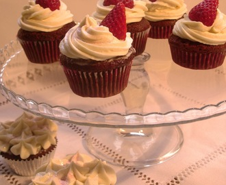 Cupcakes Red Velvet de Chocolate Blanco con amaretto