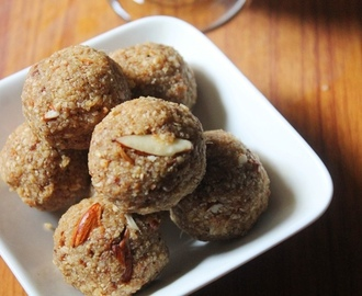 Chapati Ladoo Recipe - Policha Ladoo Recipe - Roti Churma Ladoo Recipe