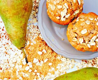 Breakfast Muffins With Pears and Oats