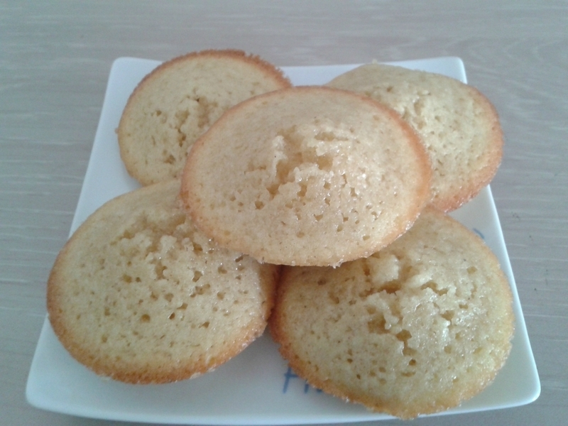 Financiers Tupperware