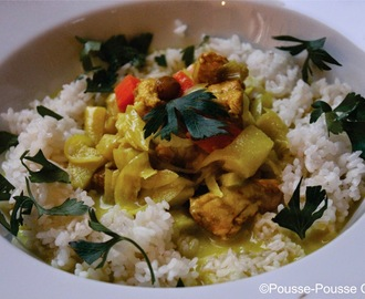 Curry de poulet aux fruits