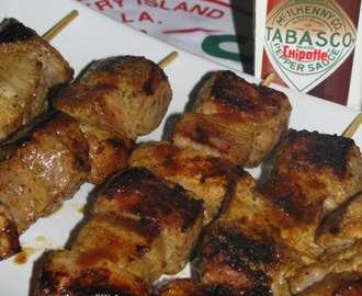 BROCHETAS MIX DE CERDO MACERADAS EN TABASCO® CHIPOTLE