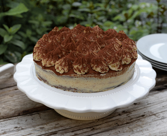 Tiramisu cake for Father's Day / Bolo tiramisu para o Dia do Pai.